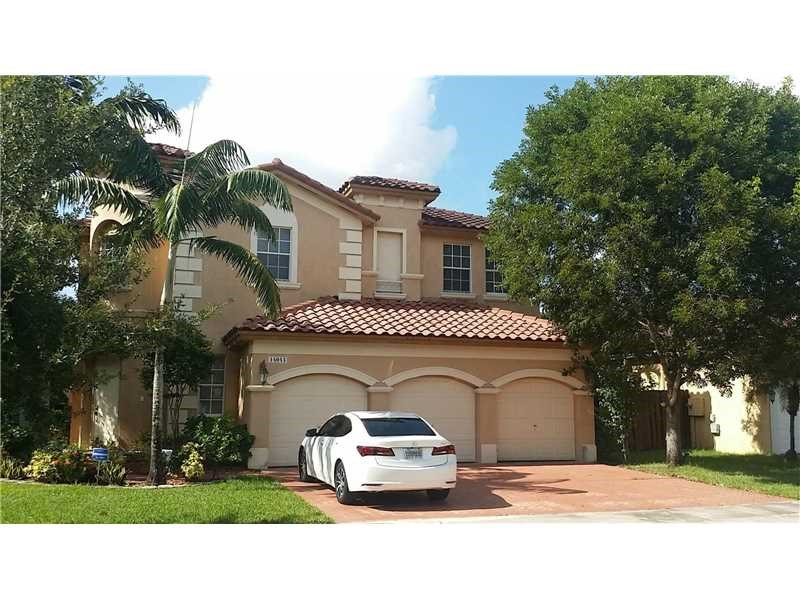 i represented the va buyer on his vizcaya miramar 6/4.5/3cg dream home! #hireme soldbyannisha. february 2017 was this spacious and superbly well appointed  6 bedroom 4.5 bath, 2 story stunner in escada at viscaya with 3 car attached garage awaiting a new owner. property has views of the lake from both living room and master bedroom & balcony. this is an absolute show & sell home. well suited for the large family. this model features a guest room/ possible in-laws quarters with full bath & separate entrance on the ground level......title work & closing will be done with excel title, inc. 954-961-1884