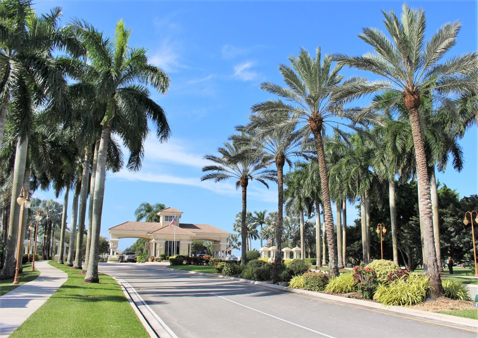 welcome home.... enjoy entering and exiting this resort style living...everyday....not a bad way to come home!